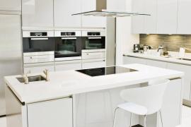 Phong thủy phòng bếp: Những yếu tố màu sắc và vật liệu bạn cần biết