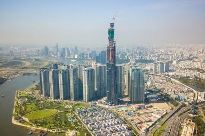 Bờ tây sông Sài Gòn được xây cao nhất