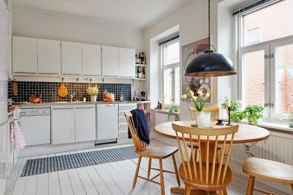 Bàn tròn - Giải pháp tối ưu cho phòng bếp nhỏ