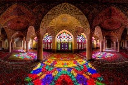 Thiết kế tuyệt mỹ của nhà thờ Hồi giáo màu hồng