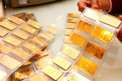 """Sụt theo thế giới, giá vàng miếng """"bốc hơi"""" gần 1 triệu đồng/lượng"""