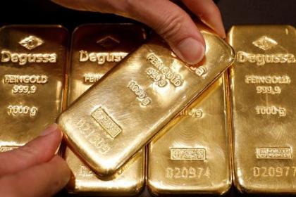 """Giá vàng thế giới """"cố thủ"""" mốc 1.400 USD/oz, trong nước giữ mốc 39 triệu đồng/lượng"""