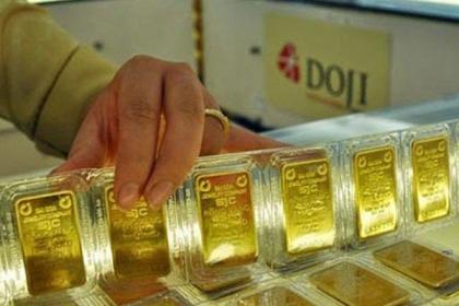 Giá vàng miếng giảm nhẹ, USD tăng