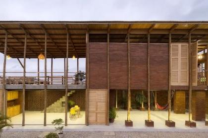 Ngôi nhà ở kết hợp tính truyền thống ở Ecuador